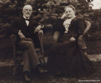 Louis_and_Isabells_Robertson_Spier_at_Birklands.jpg